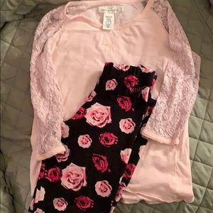 Betsy Johnson leggings with shirt